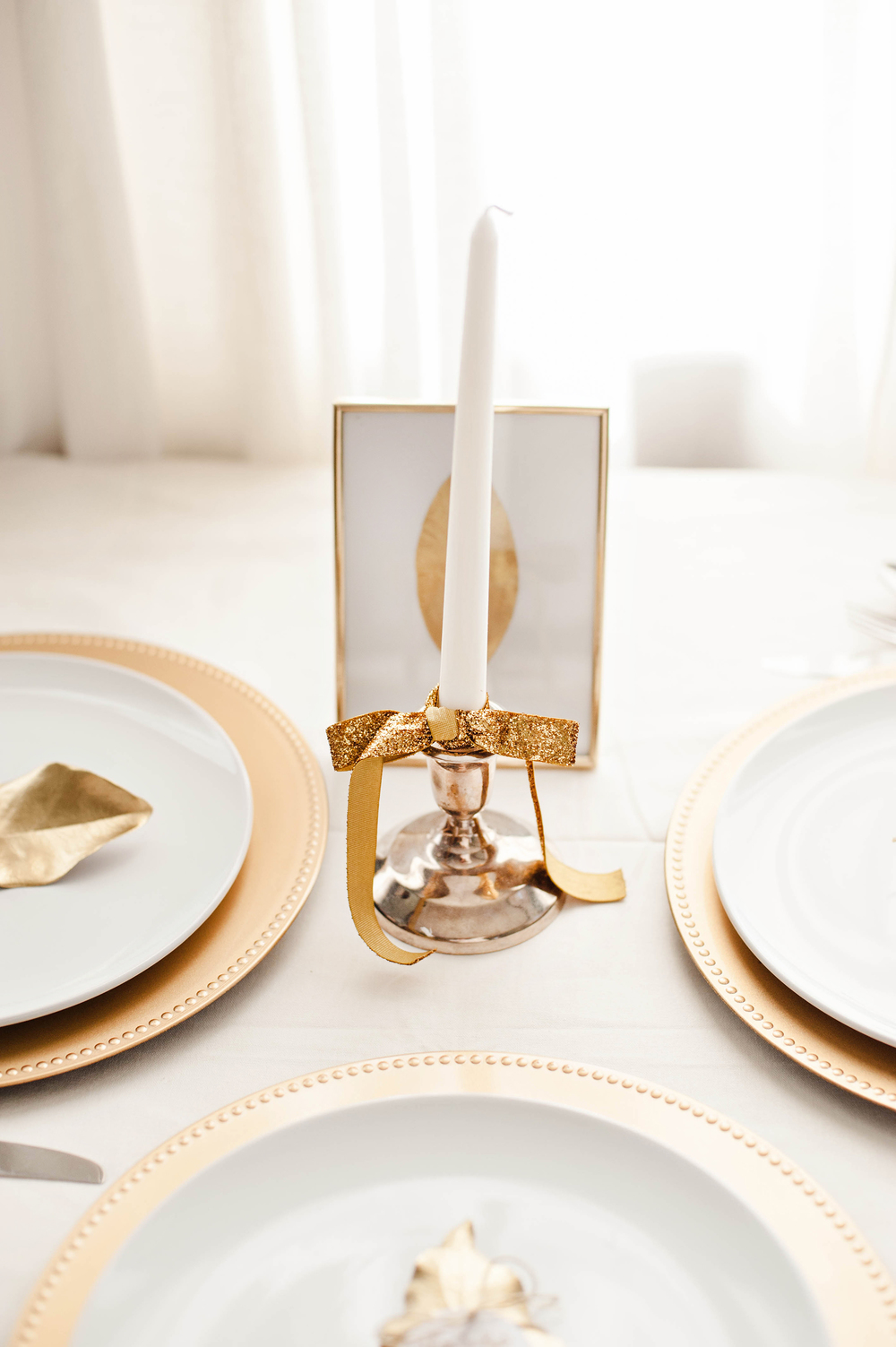 Gold & White Thanksgiving Theme