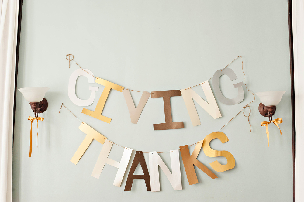 Giving Thanks Thanksgiving Banner