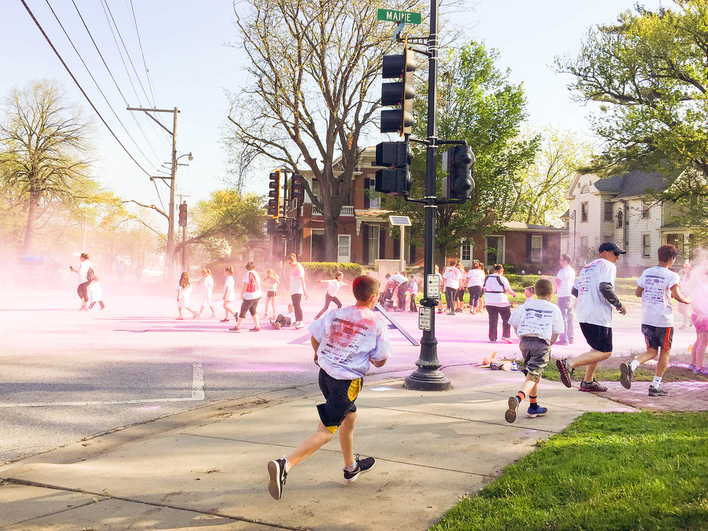 Every few blocks was a color station, manned with people ready to coat you in powdered color. My favorite was blue and hot pink, I may have went back through a few times. Just don't forget to hold your breath and shut your eyes...and keep running straight!