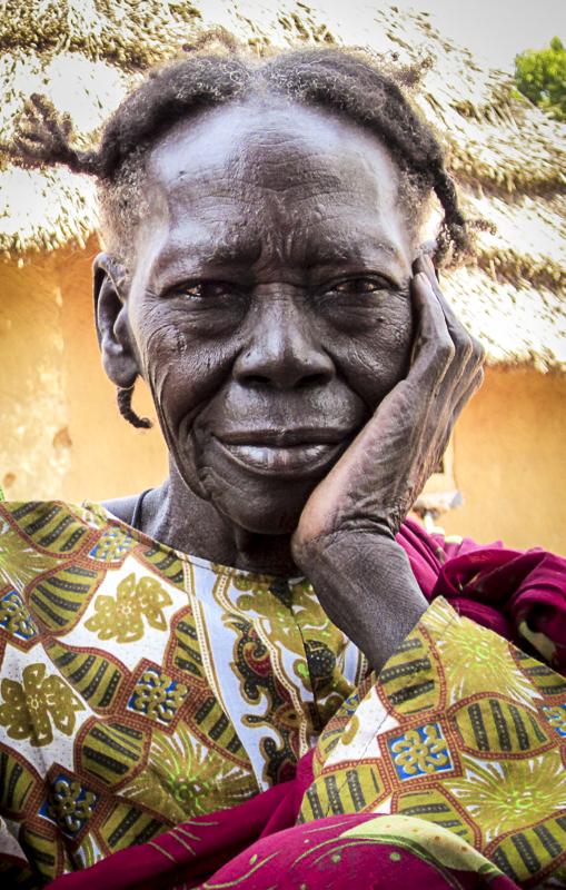 Kharama, Makonis Billi's grandmother and Scott's coffee-making buddy