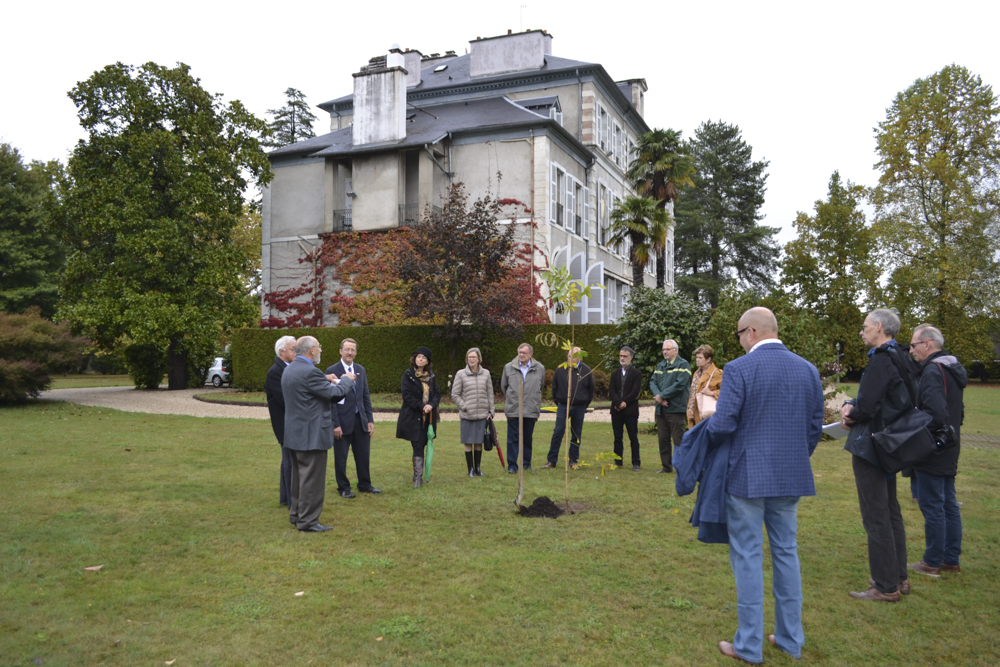 A small group of Americans attended the pecan tree planting ceremony at Pau's Villa Sainte Hélène.