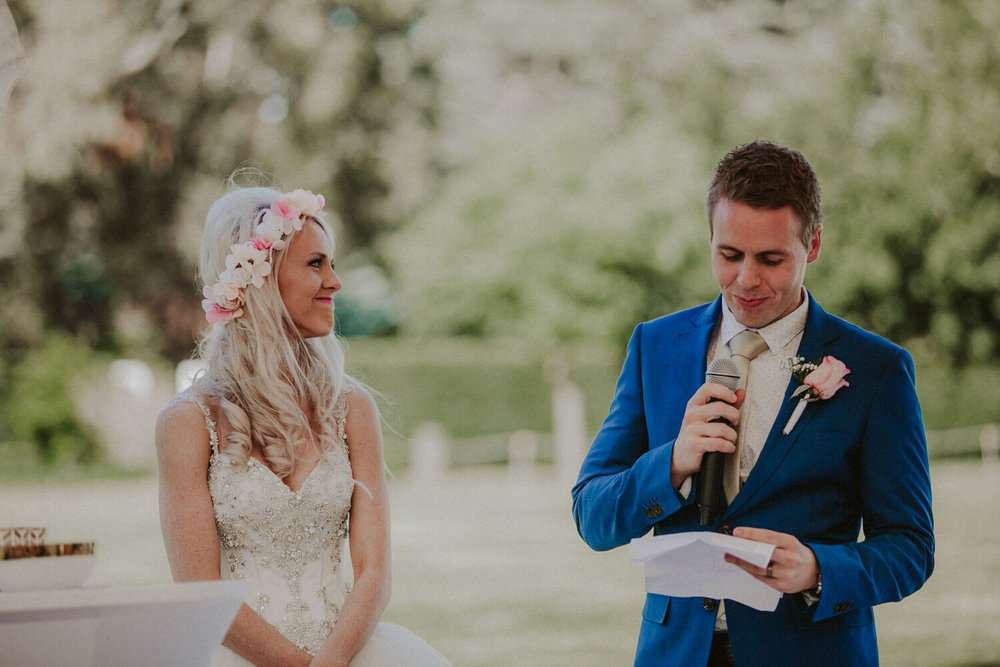 canberra-wedding-rose-gardens_060(5509).jpg