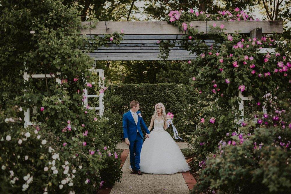 canberra-wedding-rose-gardens_067(4876).jpg
