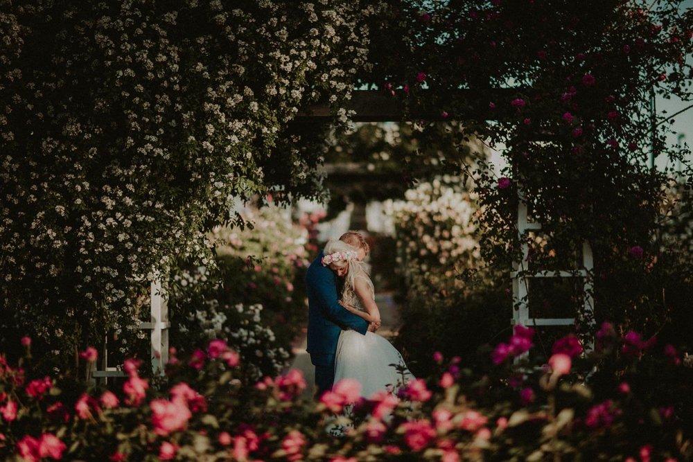 canberra-wedding-rose-gardens_069(5682).jpg