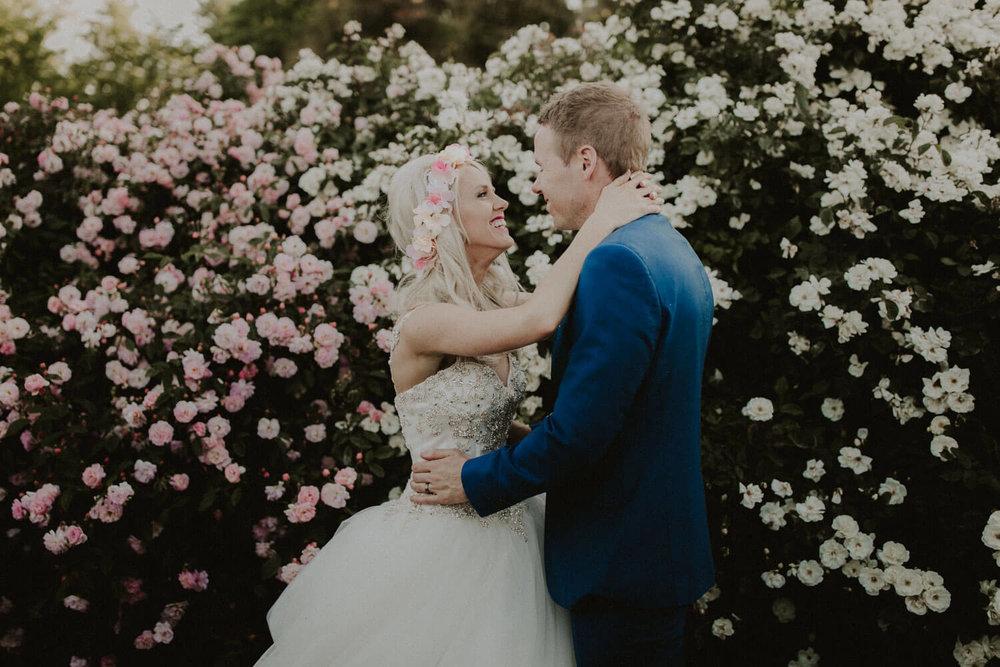 canberra-wedding-rose-gardens_077(5113).jpg