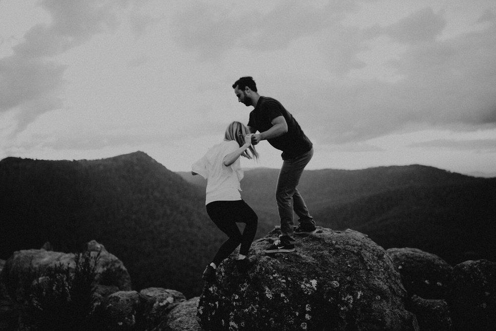 booroomba-rocks-engagement_055(5422).jpg