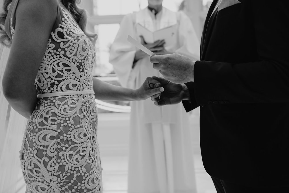 hawaiian-elopement-photography_052(4689).jpg
