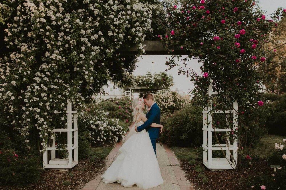 canberra-wedding-rose-gardens_085(5325).jpg