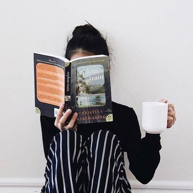 Feeling cozy today with all the rain. Better get some coffee and an Uncut Book Box ready for tonight ☕️ 📷: @languageofstars