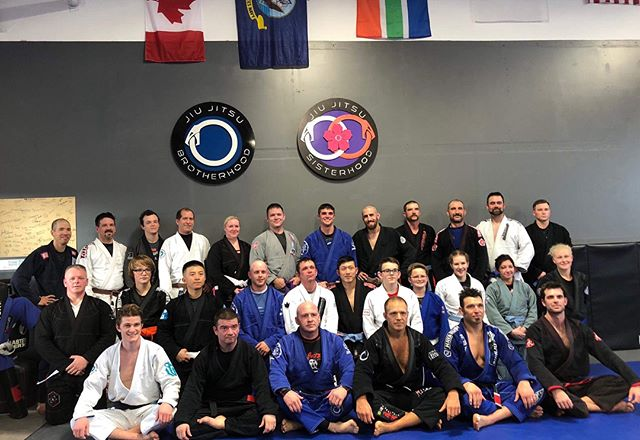 So grateful! Thank you to those who were able to make it to today's seminar. I am genuinely stoked. 🙏 Such a great time! Jenna, thank you for the great photos! @jenna.boorman  #bjj #jiujitsu #jiujitsulifestyle #thejiujitsubrotherhood #thejiujitsusisterhood @jiu_jitsu_brotherhood