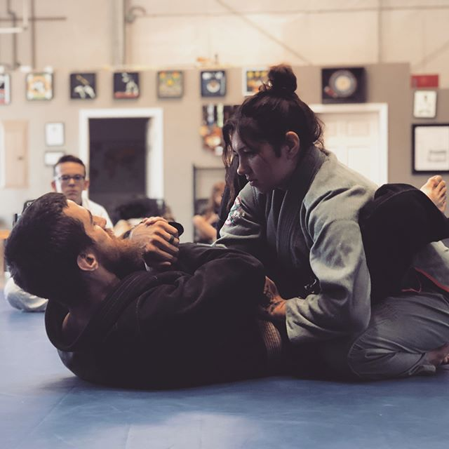 So grateful that Brent and Kayla drove over the hill to share some wrist lock knowledge with us. Thank you @cauliflowerearfamily ! . . . #jiujitsubrotherhood #jiujitsusisterhood #bjj @brentmacarrao #jiujitsu #jiujitsulifestyle