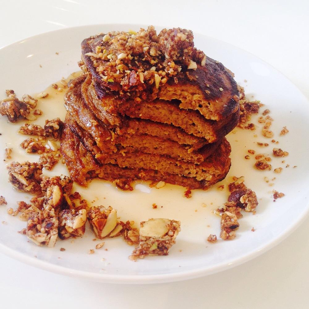 paleo-pumpkinspice-pancakes