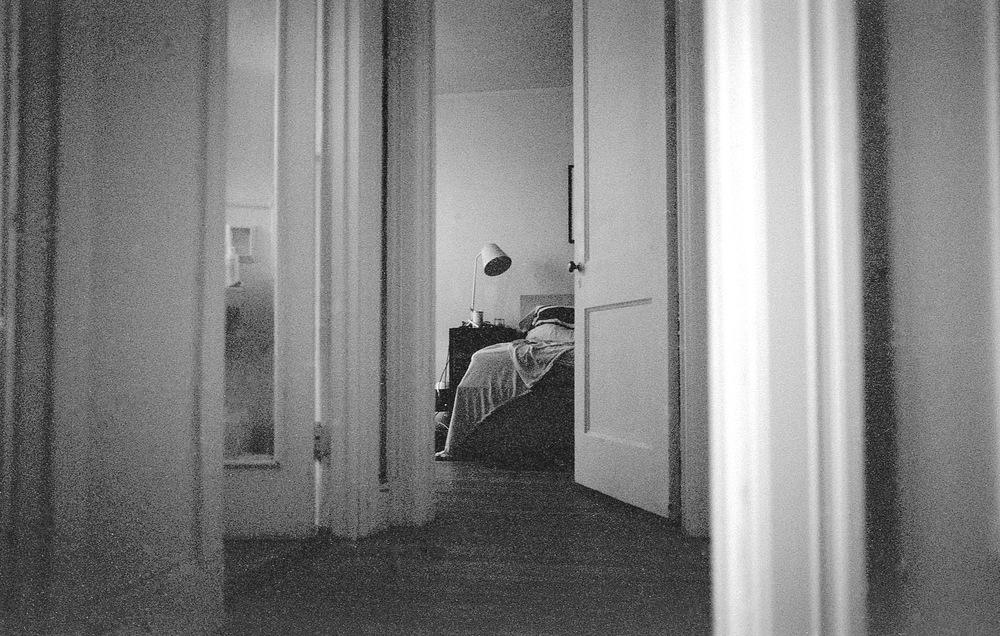 Home alone - Oakland (CatMan) | Tri-X 400 @ 1600