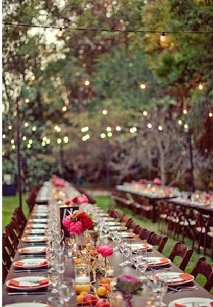 Outdoor events call for open spaces and fairy lights hung above.