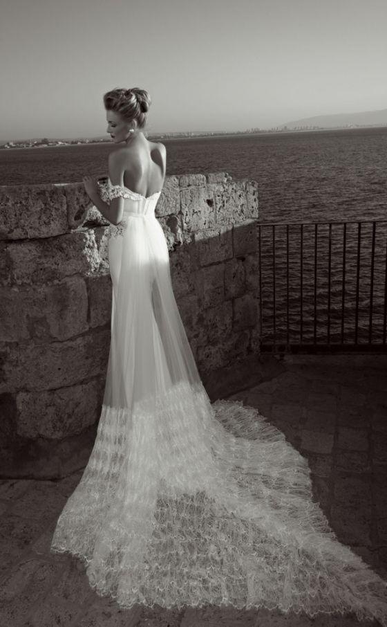 Historical bridal fashion