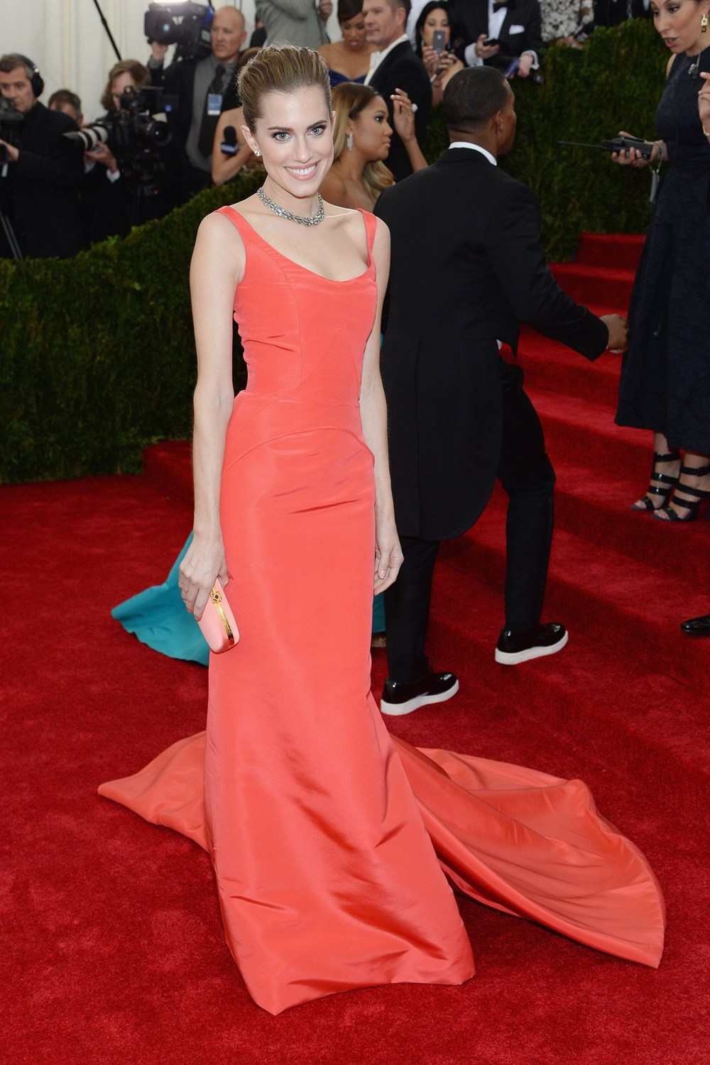 Allison Williams wore Oscar de la Renta