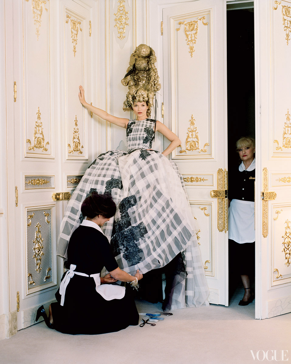 Dior Haute Couture embroidered silk dress. Headpiece created by Julien d'Ys.