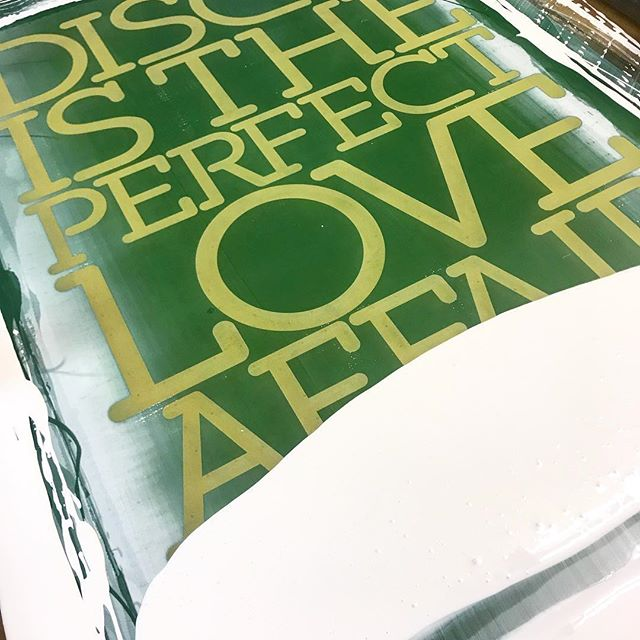 Very excited to be revealing my new colour way screen printed edition of 'Disco Is The Perfect Affair' this eve at 7pm -  4 layer screen print on handmade 410gsm heavy weight Somerset satin with a mixture of matt and gloss inks - I'll be selling for £200 each with a low edition of only 15 - keep an eye out if your interested 😃 . . #disco #wip typography #70s #80s  #art #inspiration #artist #painting #artwork #creative #instaart #paint #gallery #abstractart #abstract #screenprinting #screenprint #graphicart #graphicillustration #illustration #design #olifowlerart