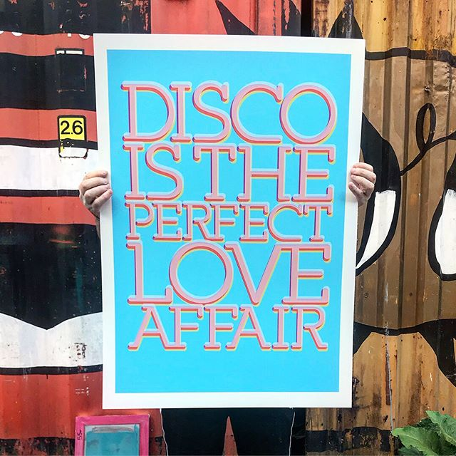 The screen printing went really well for this one! Very happy to reveal 'Disco Is The Perfect Love Affair' (new colourway) A1 594x841mm edition of 15 on handmade Somerset Satin 410gsm heavy weight paper - with a mixture of both matt and gloss inks - £200 each inc PnP - if your interested or would like to come and view please get in touch. . . . . #artstudio #contemporaryart #artforsale #wallart #creativeprocess #artfinder #art #inspiration #artist #painting #artwork #creative #instaart #paint #gallery #abstractart #abstract #screenprinting #screenprint #graphicart #graphicillustration #illustration #design #olifowlerart #disco #funk #70s #typography