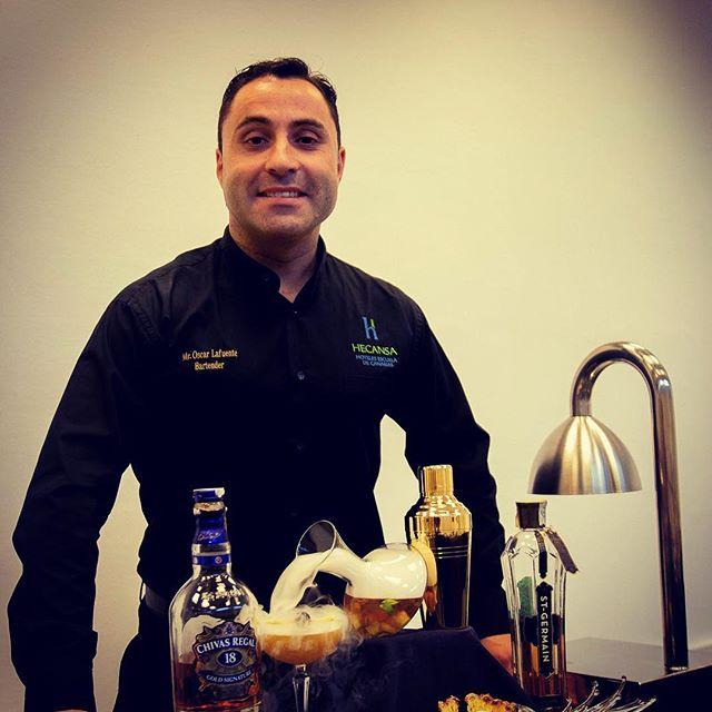 Feliz #findesemana con esta propuesta de Óscar Lafuente, #BrandAmbassador #CocaCola en #IslasCanarias. ¿A quién no le apetece en un #atardecer ☀️a la orilla del mar, con un calor #tropical como es el de Canarias 🌴un buen #whisky con un mezcla de #sabores que nos despiertan nuestras papilas gustativas y nos relajan para disfrutar de tu #momento? O al terminar la jornada de trabajo ir a tu local preferido y al calor de tu #familia, #amigos ó compañeros poder saborear el Crioinfusinado de #Whisky @chivasregal  decantado y enfriado @coolcup_ ? ❄️ Que lo disfrutéis! .🍸 #Enjoy the #Evolution #Spirits #Madrid #Abril @salondegourmets