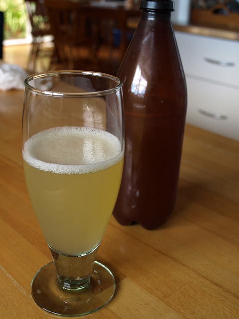 apple+sort+of+cider.JPG