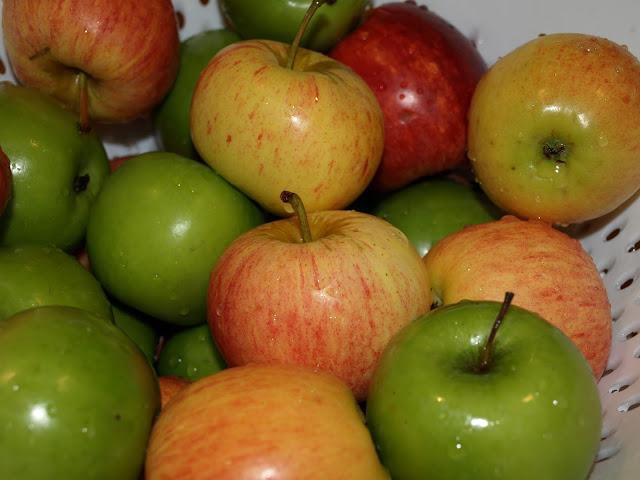 apples+1.JPG