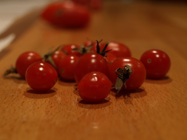 tear+drop+tomato.JPG