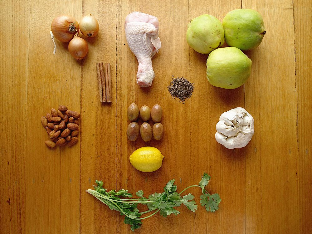 moroccan chicken with quince ingredients