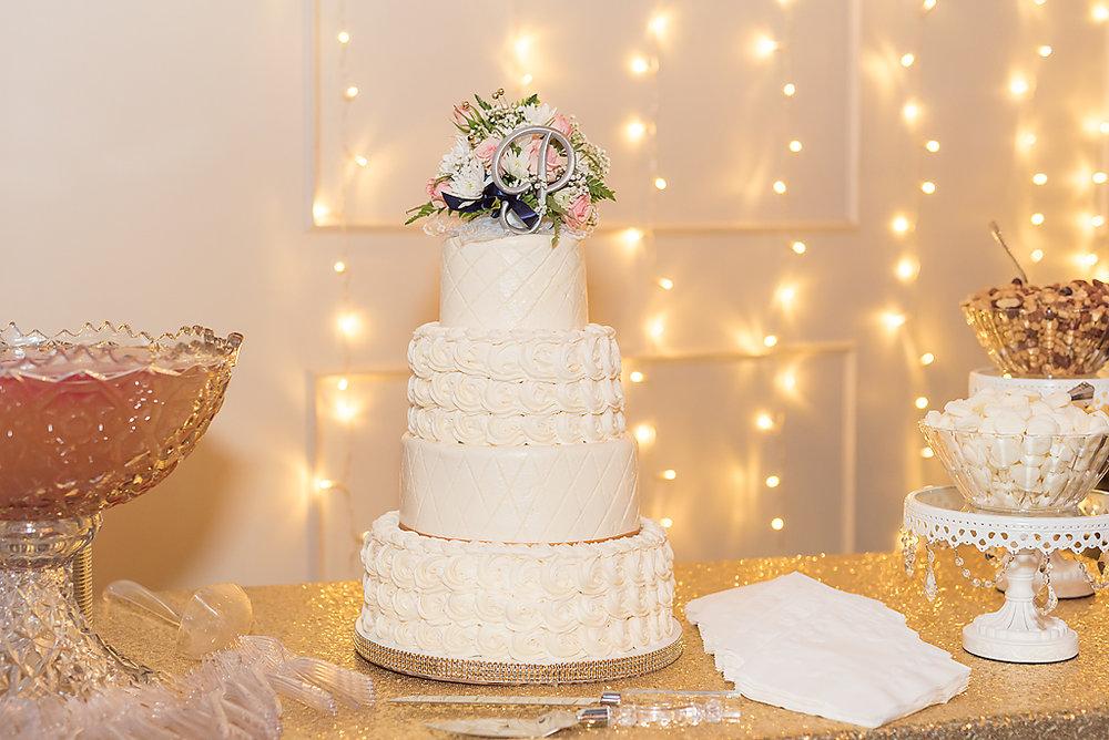 Erika & Garrett\'s Chrisman Manor Wedding