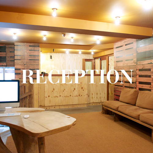 hotel-chelton-reception-square-01.jpg