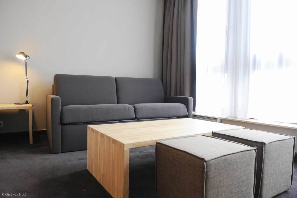 hotel-chelton-rooms-superior-room-bedroom-05.jpg