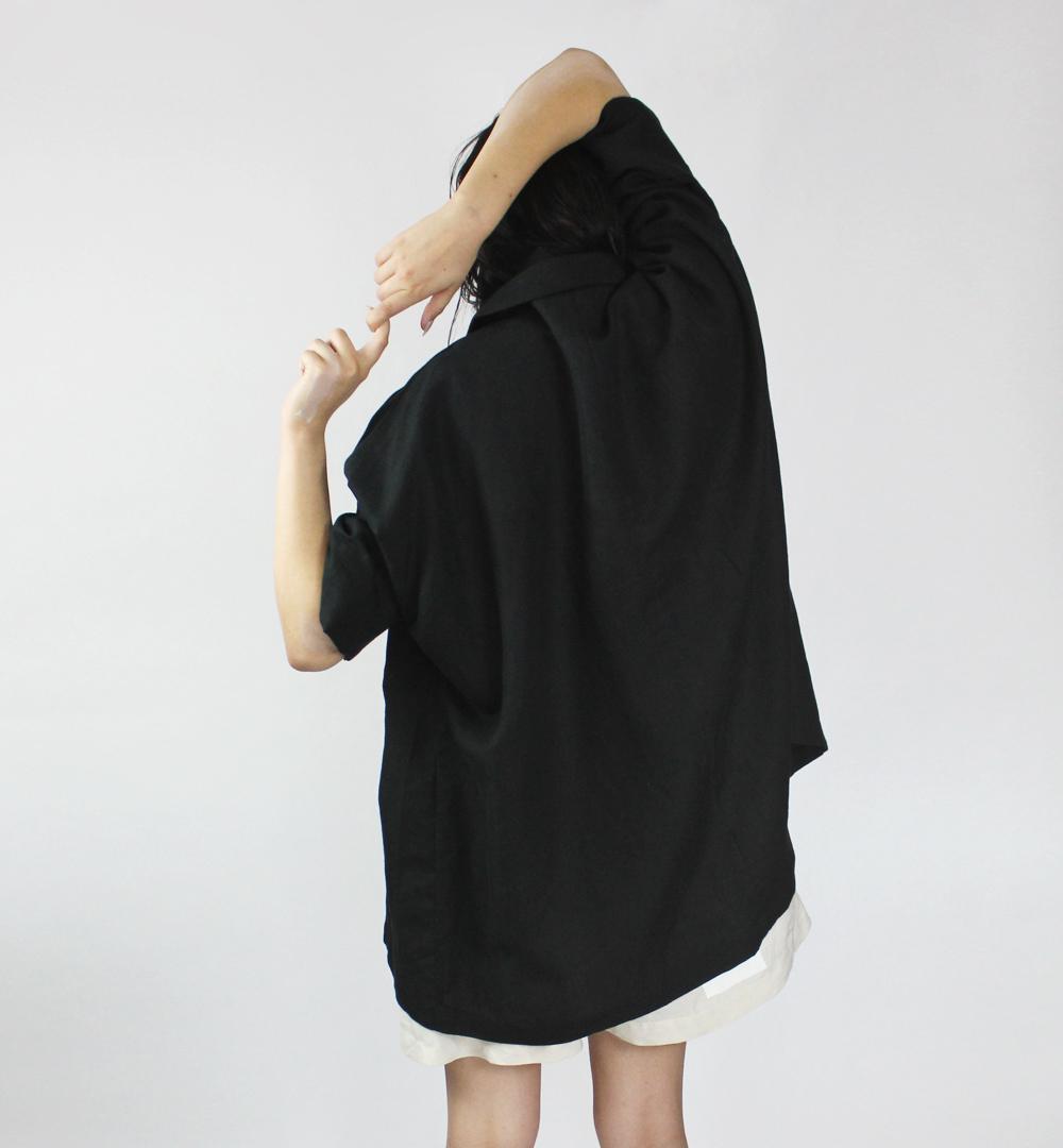 black_kimono_back_small.jpg