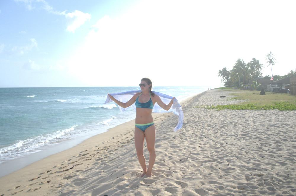 Las Isletas bikini here.