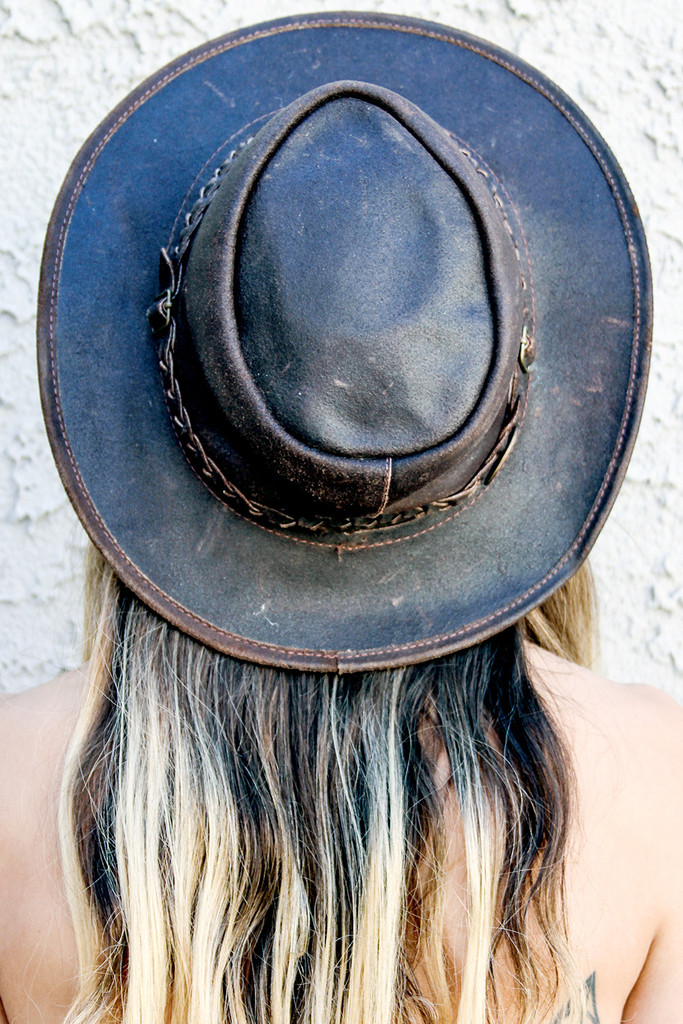 Fairly obsessed with good hats.  From BackBite .