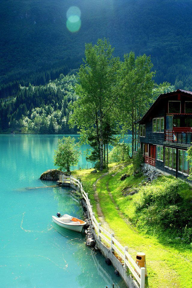 Nodalen, Norway. Bucolic.