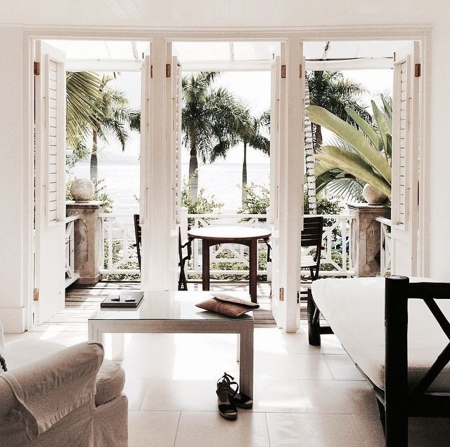 tropical-apartment-room-with-a-view