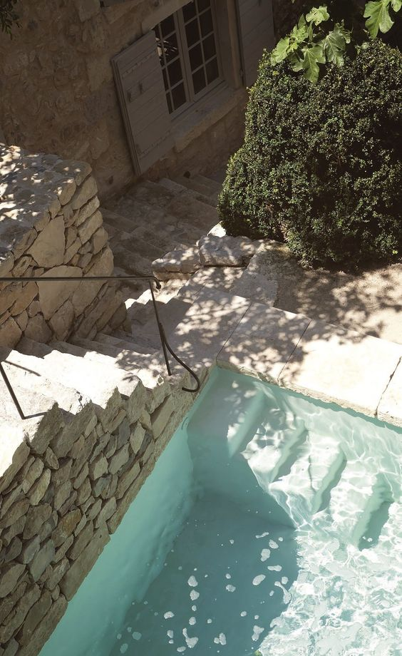 french-country-pool-neutral