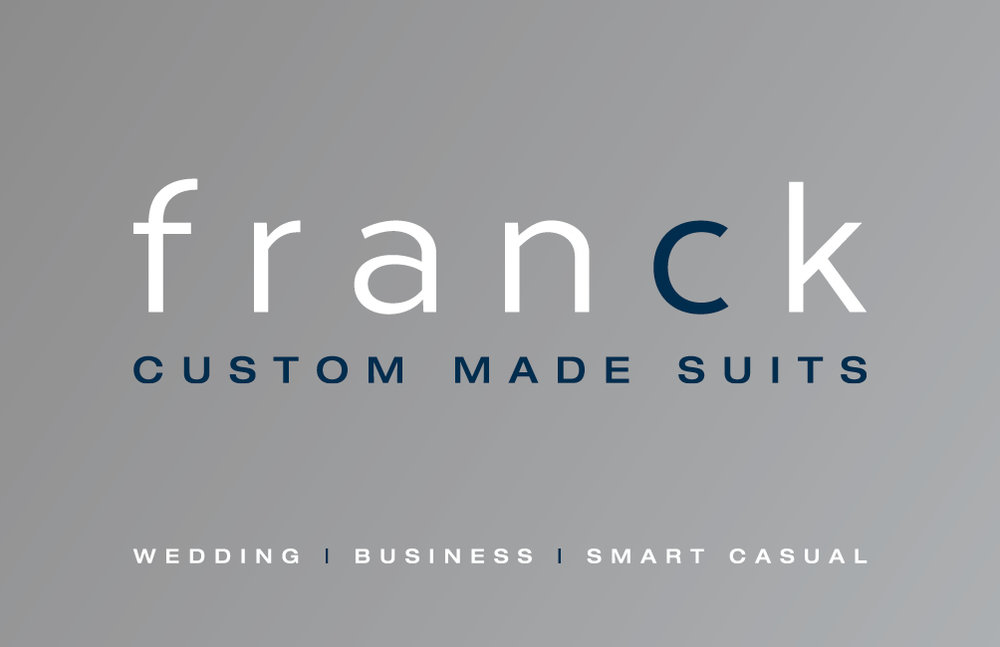 Franck custom made suits Loon op zand