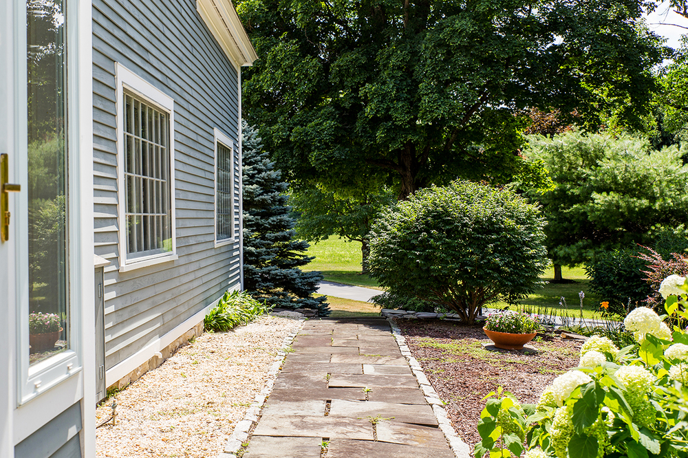 Voorheesville, NY $565,000 — The Maria Barr Team