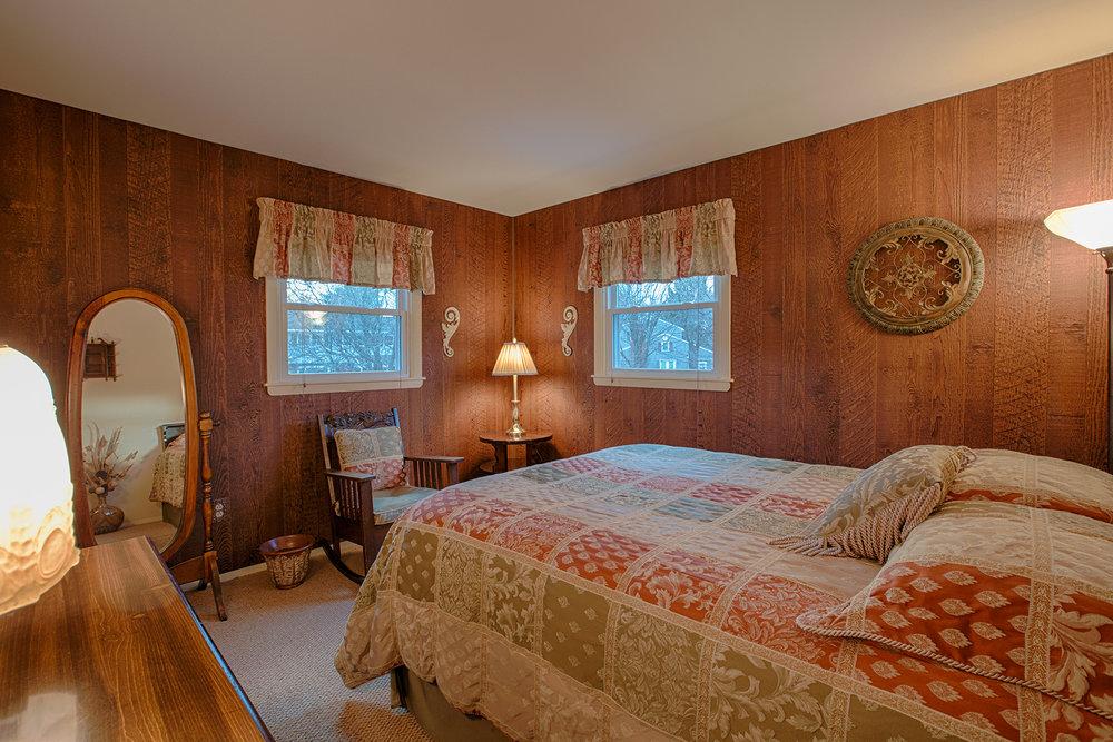 026 EAP Maria Barr 10 Lexington Rd Saratoga Springs crest 08.jpg