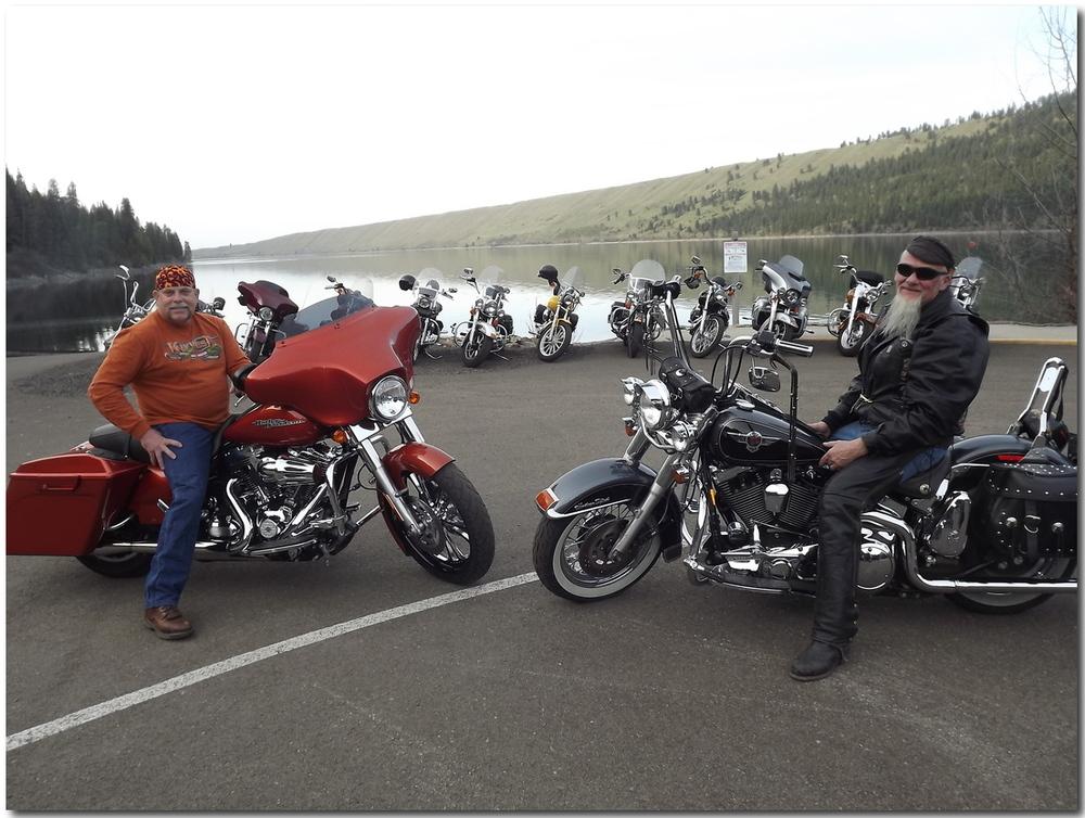 Event organizer, Gary Bethscheider with Original Bronze Bike artist Dick Cross