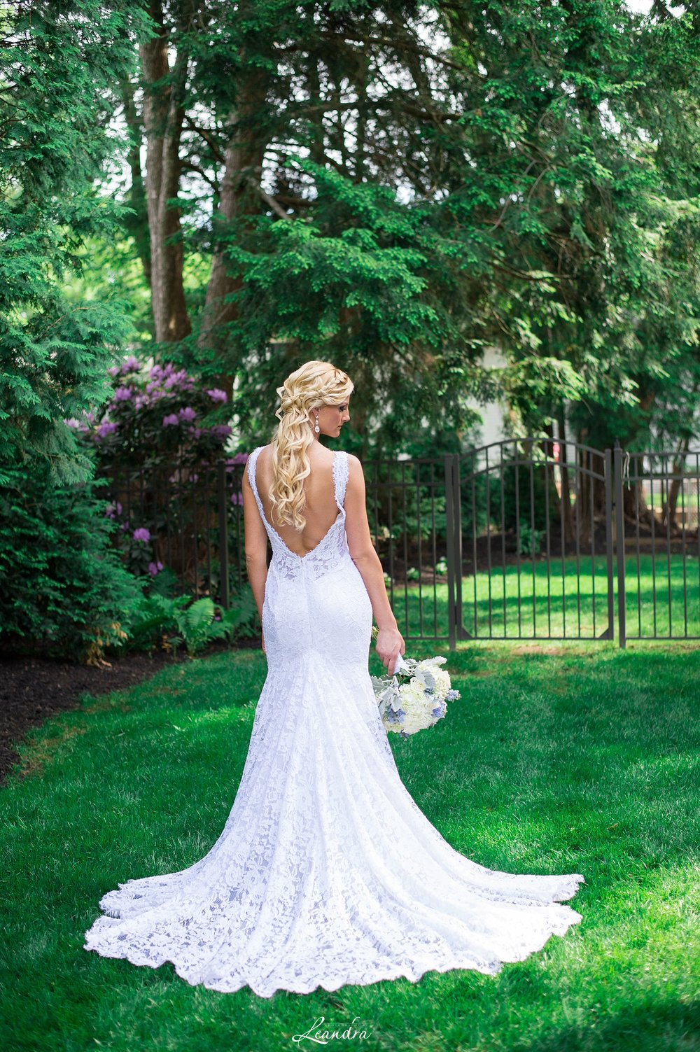 Backless.Lace.PninaTornai.Weddinggown.jpg
