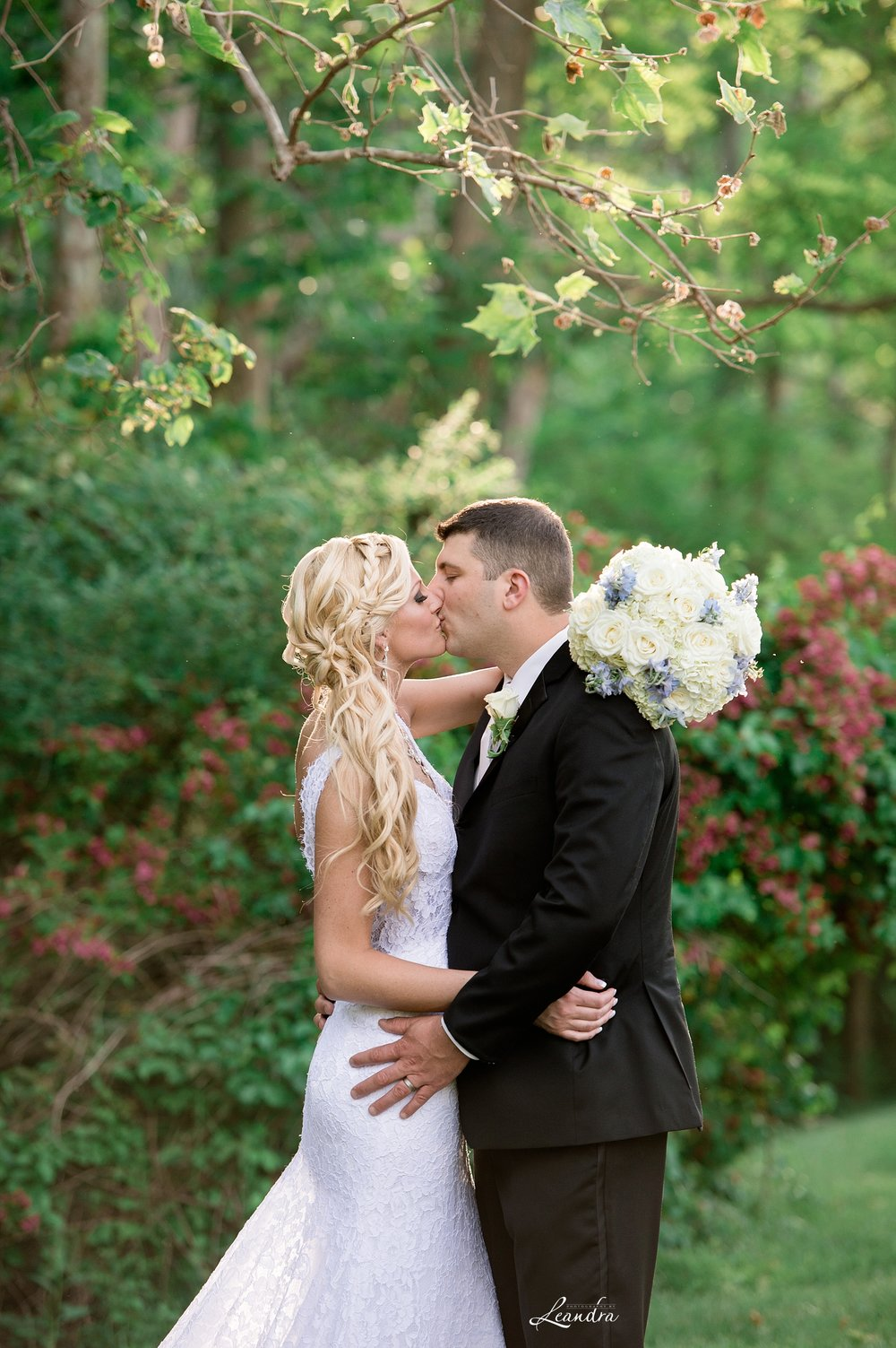 BrideandGroomHIltonPearlRiver.jpg