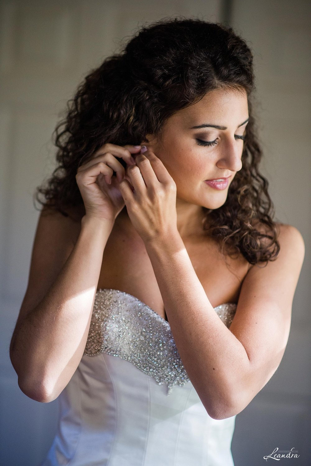 Park Savoy Estate Bride getting ready | New Jersey Wedding Photographer