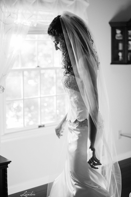 Park Savoy Estate Bride Getting ready | New Jersey Wedding Photographer