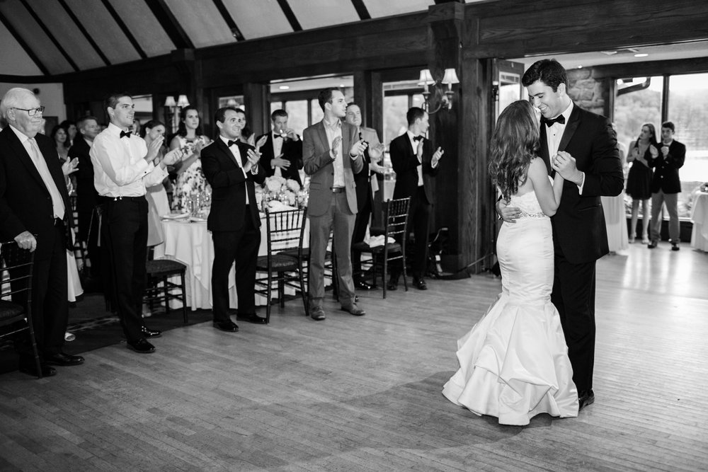 The First Dance at Lake Valhalla Club Wedding in New Jersey | New Jersey Wedding Photographer