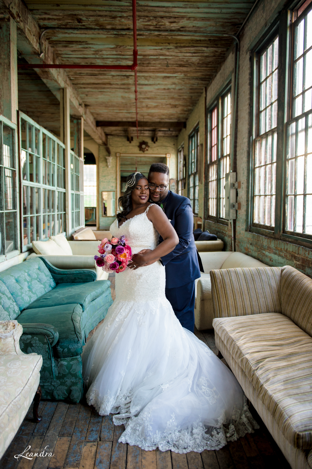 Metropolitan Building Wedding Bride and Groom | Photography by Leandra