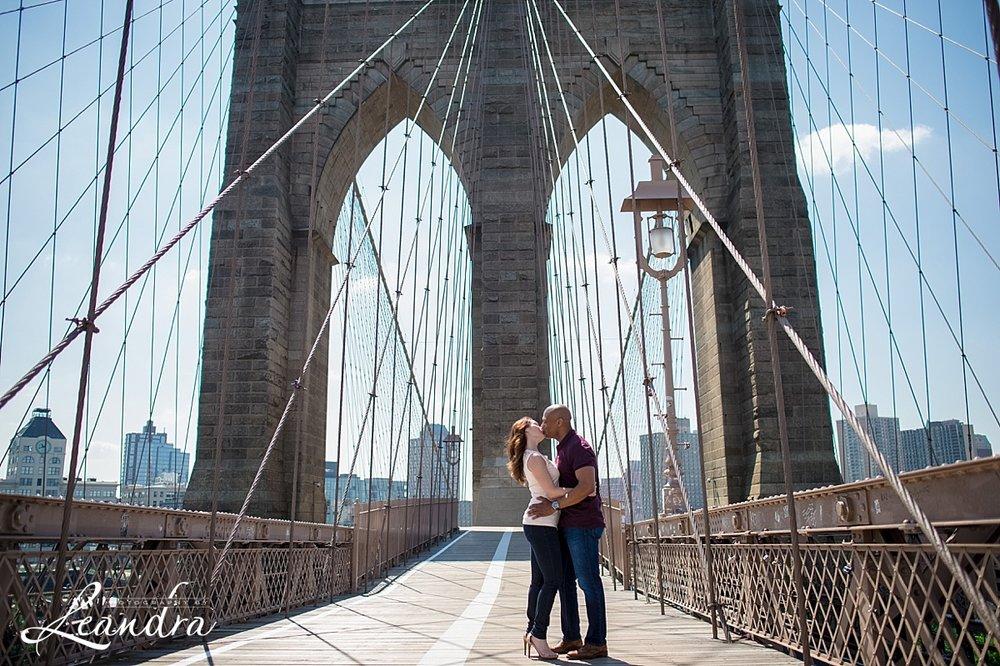 Brooklyn Bridge Engagement Photos.Photography by Leandra_0066.jpg