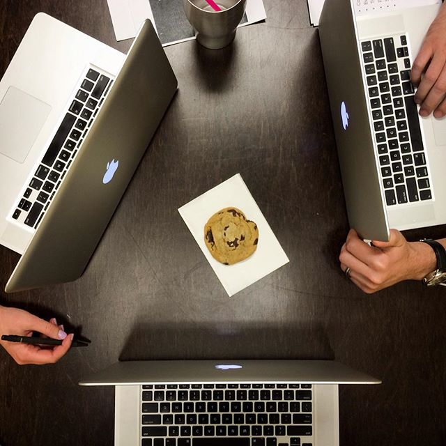 Friday afternoon meeting. Three people. One cookie. What should we do?? #ZABRecipe #BossCookie @zalexanderbrown