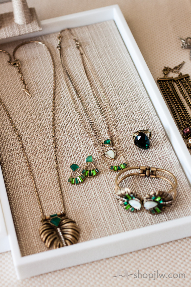 Chloe + Isabel pop-up shop jewelry party with wine tasting